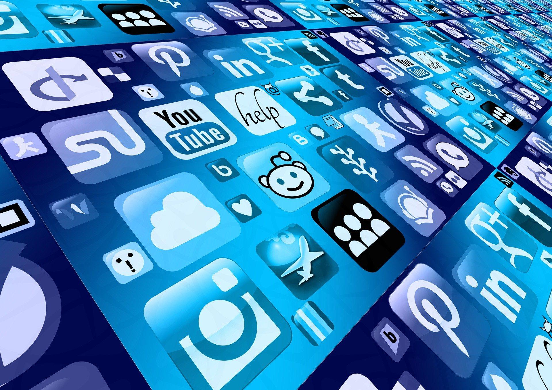BusHuddle Podcast: Build trust with social media